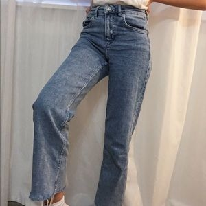 Cropped Frayed Ankle Light-Wash Straight Leg Jeans
